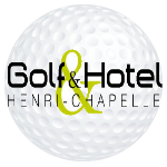 """Der 18-Loch-Platz """"Les Vivier"""" ist eine Herausforderung für alle erfahrenen Golfer. Die Bunker und Wasserhindernisse des neuen 18-Loch-Platzes """"Charlemagne"""" werden Sie überraschen. Für begeisterte Anfänger gibt es den 9-Loch-Platz  """"La Chapelle"""".Die Golfanlage verfügt gleichermassen über eine Indoor-Golfschule unter professioneller Leitung.<br/><br/>Das Clubhaus, in typisch englischem Stil, verfügt über mehrere Konferenz- und Seminarräume und bietet Ihnen eine Küche mit regionaler oder gastronomischer Qualität in einem zauberhaften Rahmen.<br/><br/>Das komfortable Hotel mit 11 Zimmern , sehr interessant für Gruppen, vervollständigt das Ganze.<br/><br/>http://golfhenrichapelle.be"""